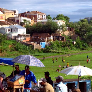 Madagascar 1 Photos - the market and a riverbed running through Antsirabe
