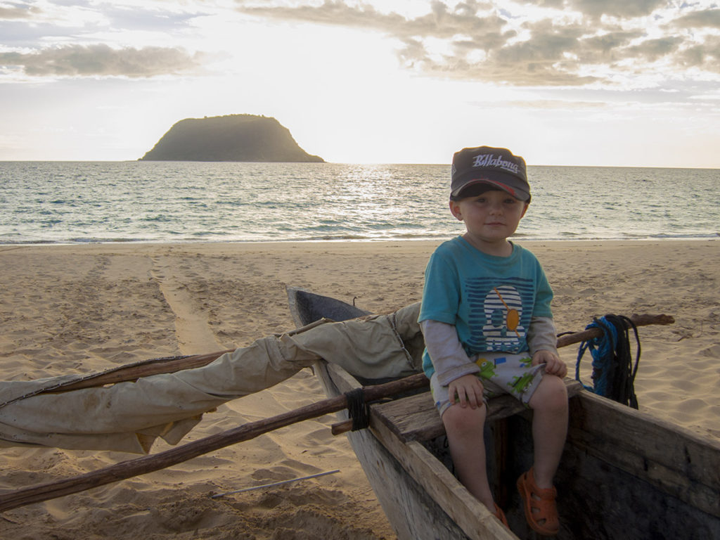 Matimu is certainly enjoying the life at sea - the rocking of the boats, the sand to dig in and throw, the seashells everywhere - it's all a blast to Matimu!